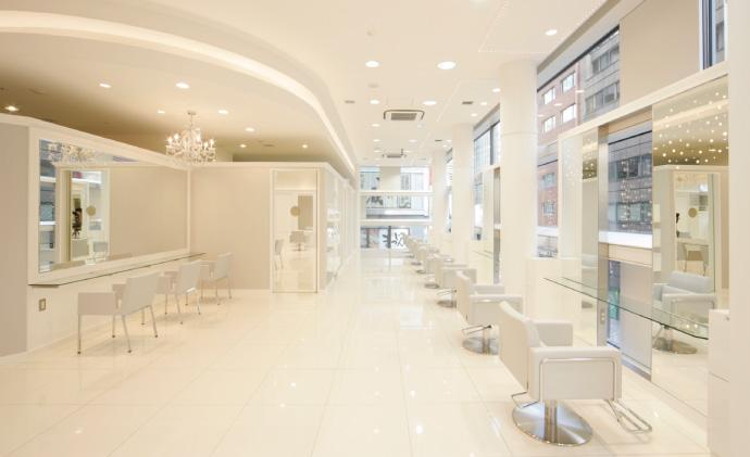 美容室Ash。年間売上高が初の100億円超え。