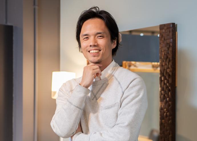 ジャカルタで活躍する美容師・坂手遼治さん