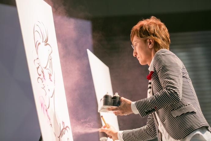 「ビューティーワールド ジャパン」新井唯夫氏(FEERIE)によるステージ「