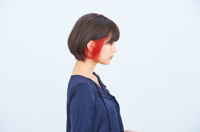 派手髪のショートヘア