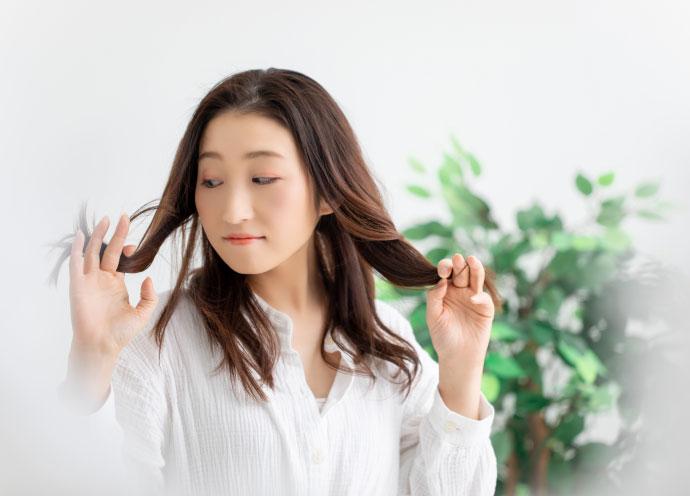 外出自粛の今だから勧めたい 髪の履歴をジャマしない「白髪隠し」4選